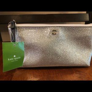 kate spade Bags - ⭐️⭐️FREE gift w/ Kate spade